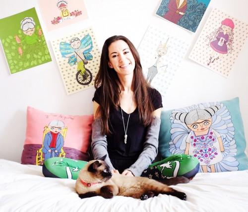 Norma gagne sa vie grâce à Etsy découvrez l'article sur Chatelaine.com qui parle de sa boutique Cara Carmina.